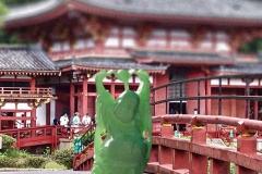 Budda-on-Japanese-Bridge